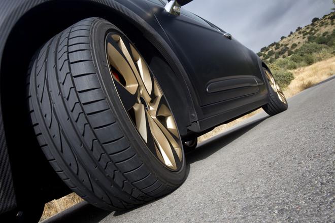 dấu hiệu nhận biết lốp ô tô có vấn đề